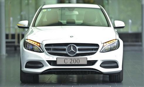 Mercedes C200 2015 có giá bán là 1 tỷ 429.000.000 VNĐ