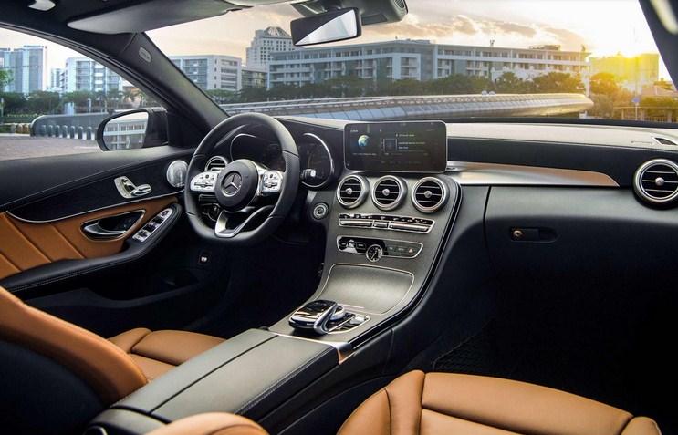 Bảng giá lăn bánh Mercedes C300 AMG